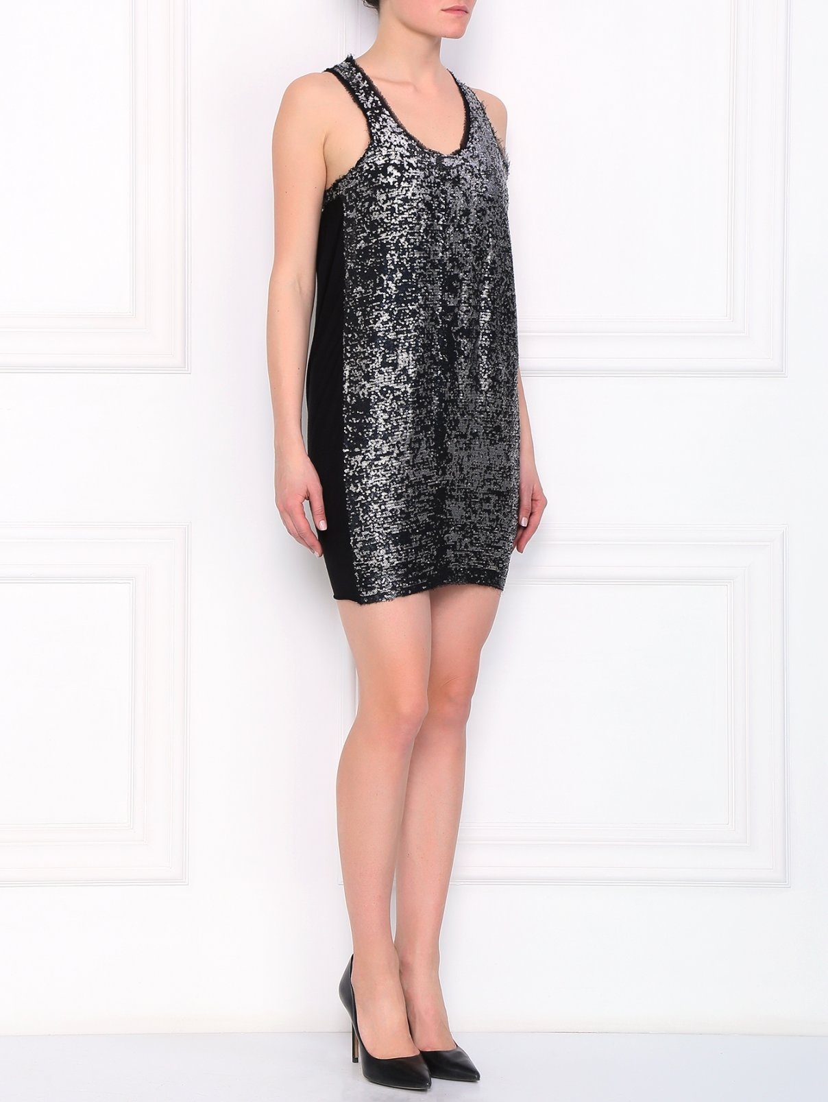 Платье декорированное пайетками с вырезом на спине Guess by Marciano  –  Модель Общий вид