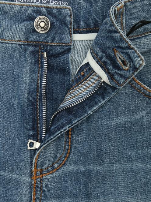 Джинсы из хлопка, с вышивкой - Деталь1