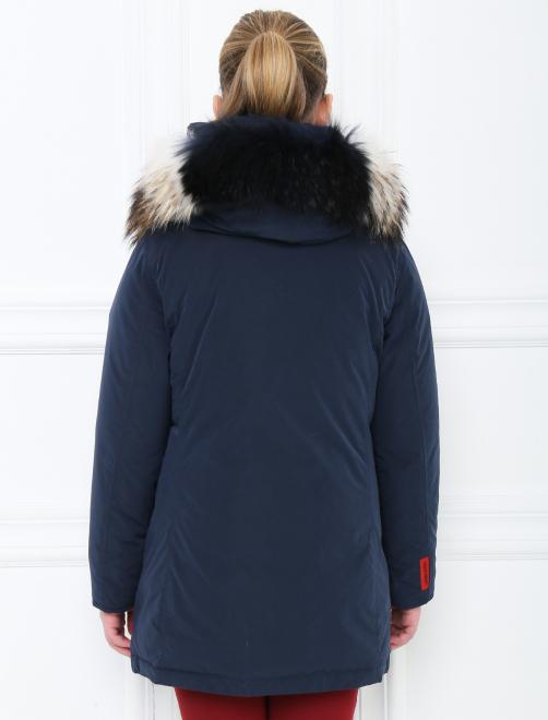 Куртка трапеция с капюшоном - МодельВерхНиз1