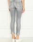 Укороченные джинсы декорированные кристаллами Ermanno Scervino  –  МодельВерхНиз1